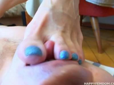 Veiny feet footjob