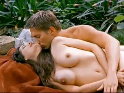 nudewomen-gabriella-hall-nipples-cradle