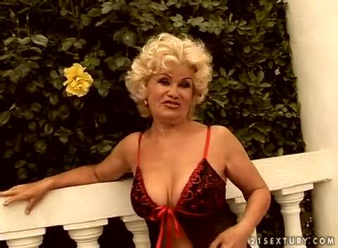Like. Nice granny pornstar effie for her