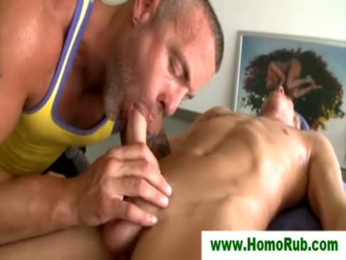 Gaystraight amateur gets pole massaged