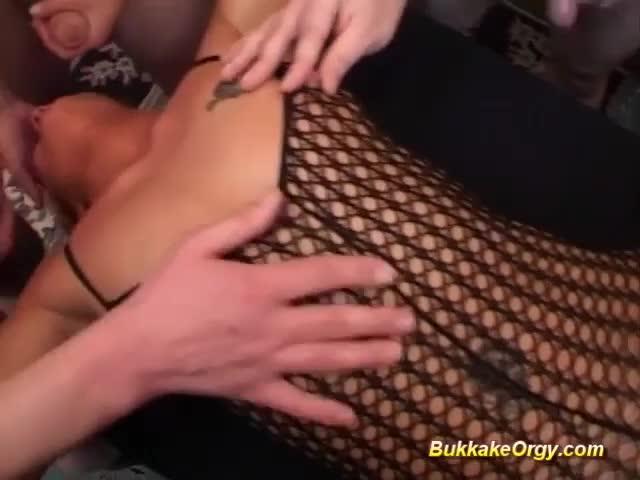 This bitch eat all cum porn tube
