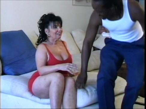 Puta mamadora y nalgona dana hayes se atraganta de vergas - 1 part 9