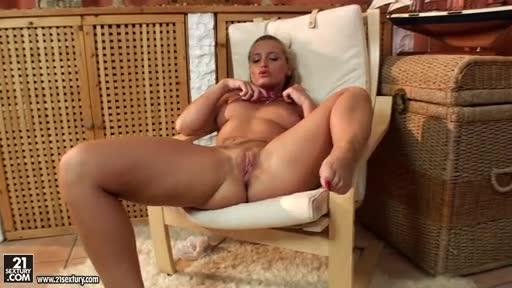 Nude Chico