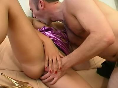 Glamourous raven gets bent over