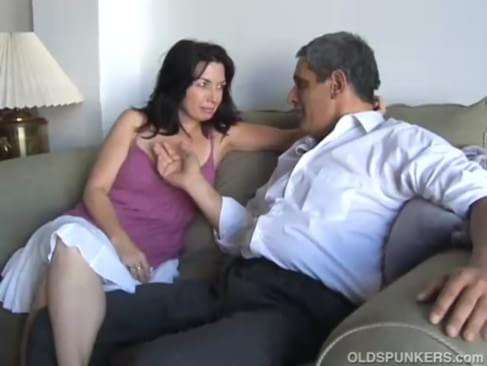 Amateur immature lovers fucking in nature