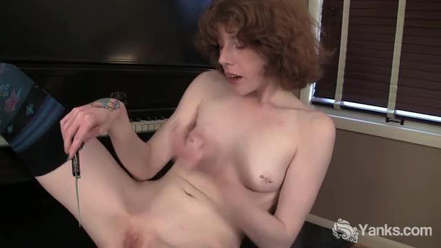 redhead goth girl masturbating