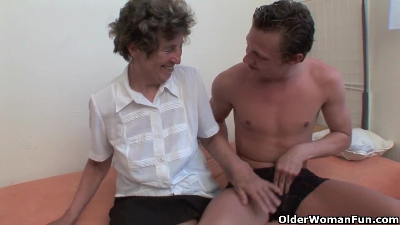 Sex Granny loves anal