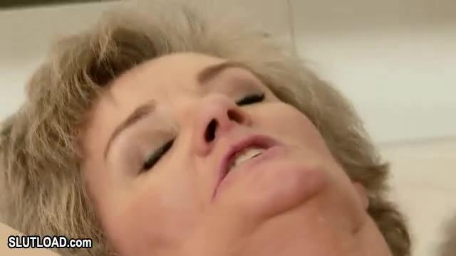Granny Moaning 109