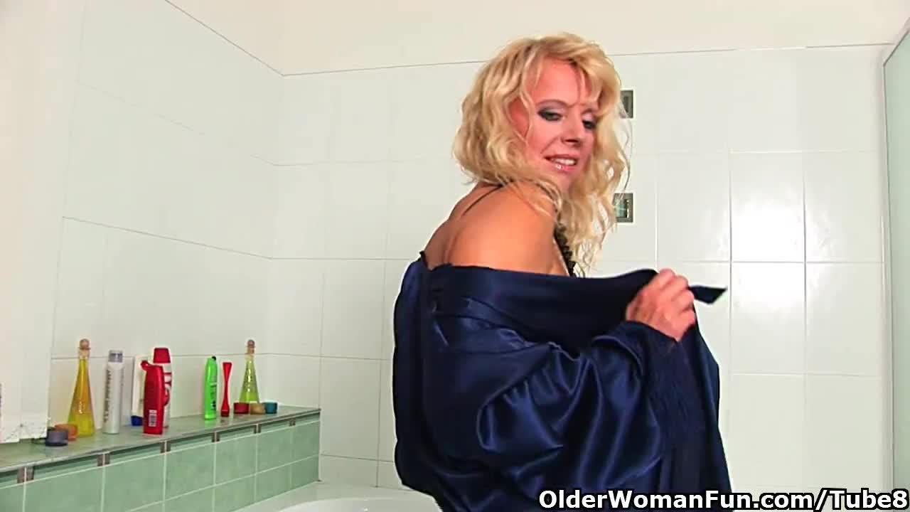 BATHROOM Granny COCKSUCKER a is