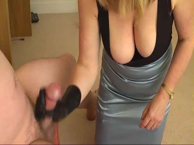 Wife wants to jack off stranger
