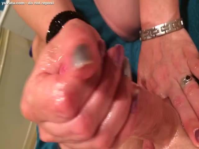 Aceite de mano trabajo porno tubo
