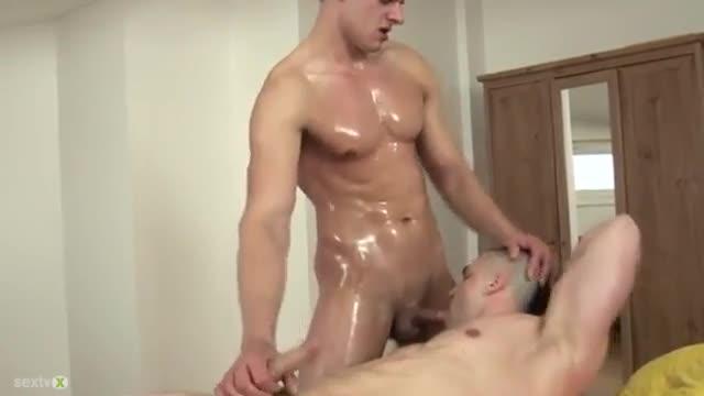 Hard Cock Gay Masseur Gets Fucked