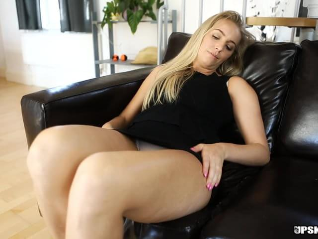 Teen big butt bend over nude