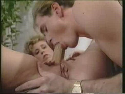 porno-germafroditom-russkoe-video