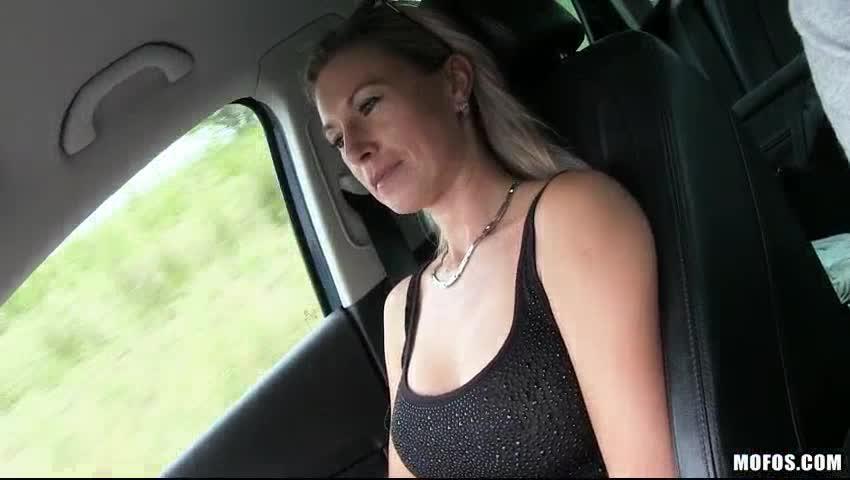 Short hot blondes sex