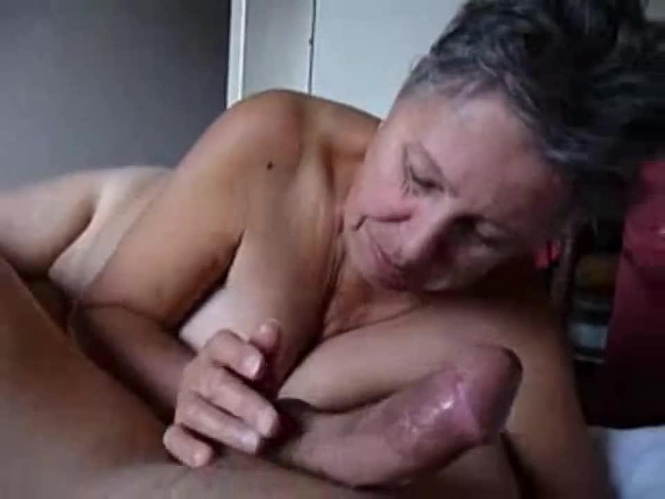 Granny gives head