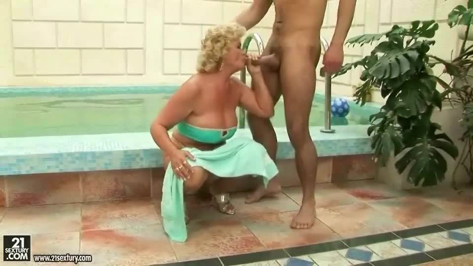 Hot horny mature fucks outback