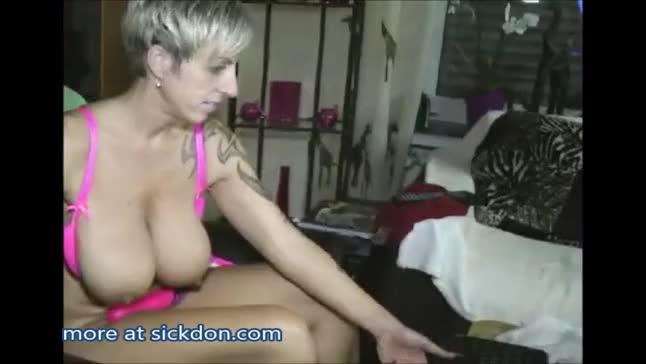 Mature Dildo Fuck 111