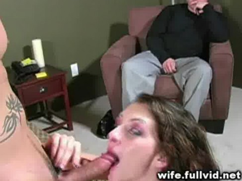 outdoor date with horny housewife : xxxbunker.com porn tube