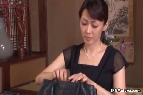 Japanese mature moms getting horney