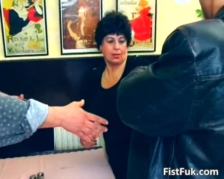 Zaza mature slut gets fucked pussy