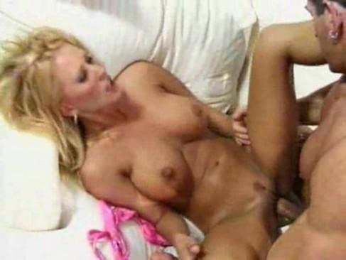 Chubby mom masturbation