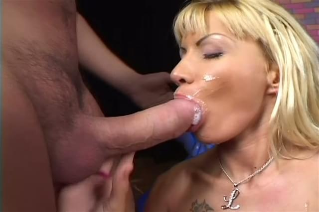 Are hot blonde gets ass fucked