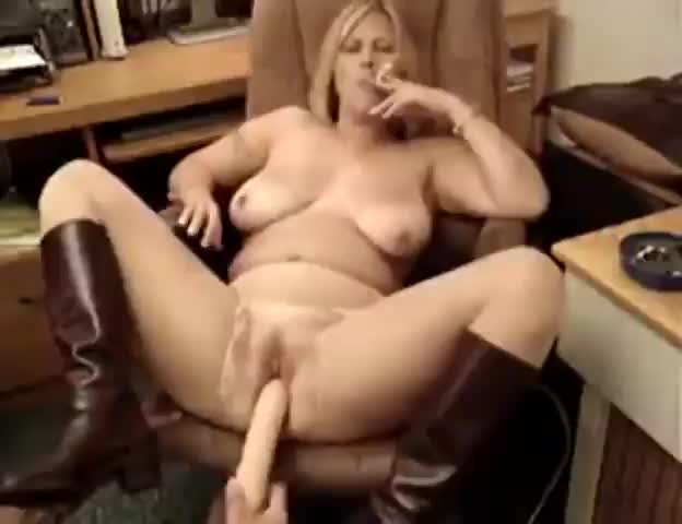 Smoking sexy tube