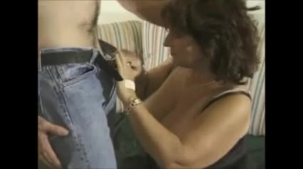 Hot mature amateur cougar banging and cumming