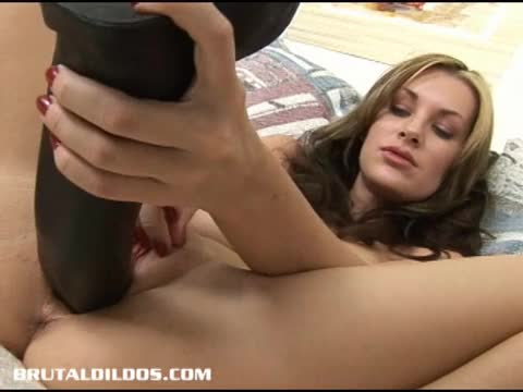 amature milf brutal dildo