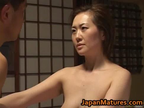 Japon Anneler Oğulları İle Şikis Sex Porno Sahneleri