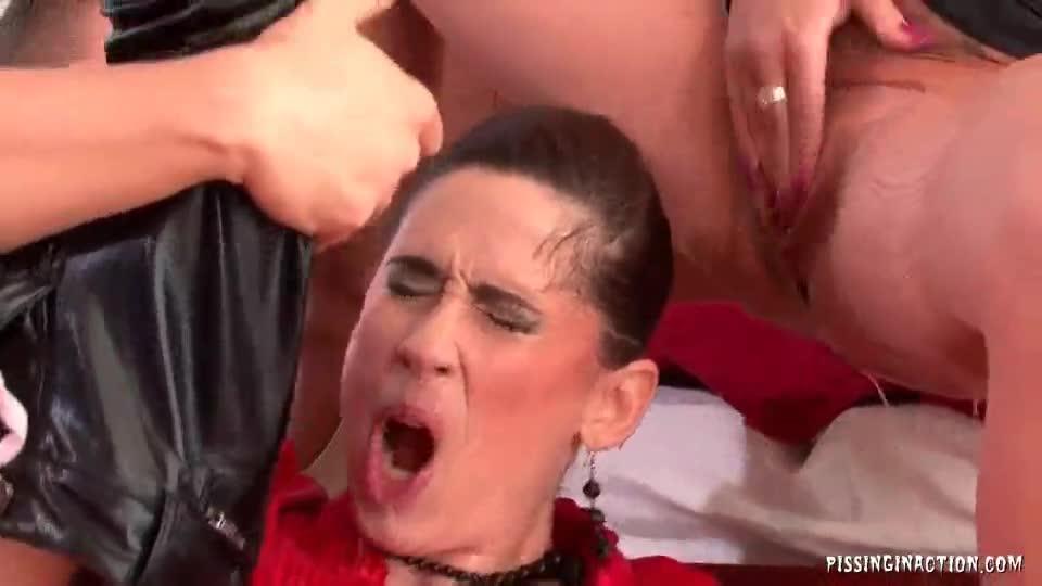 Free pics lesbian orgasm