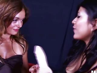 MARCI: HOTGOLD Hot Lesbians in Public show
