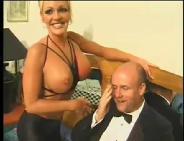 seks-nachalnik-i-sekretarsha-v-ofise