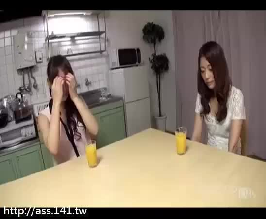 He Creampied His Japanese Stepsister -