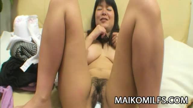 hung nude men pics
