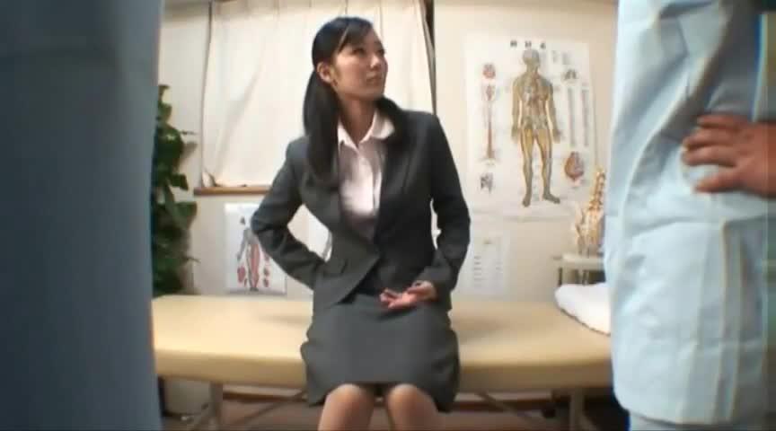 Sexy adriana shaking her ass