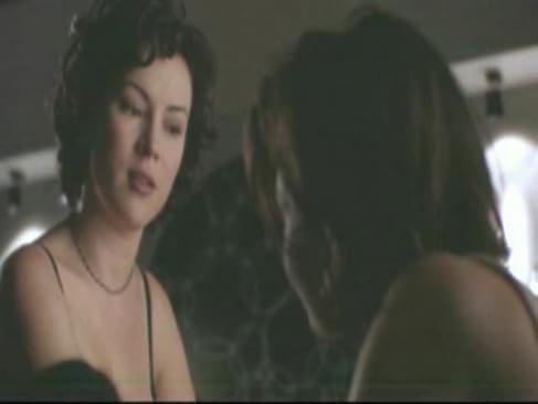 Licking jennifer tilly scene lesbian