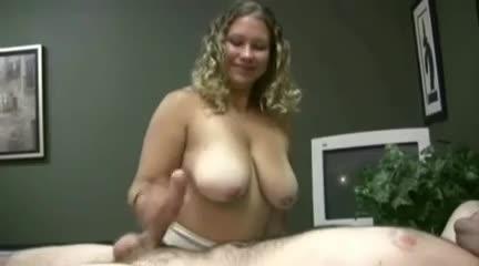 Mature up skirt pussy