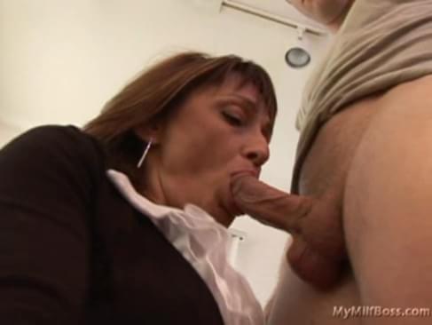 Deep throat free video sex