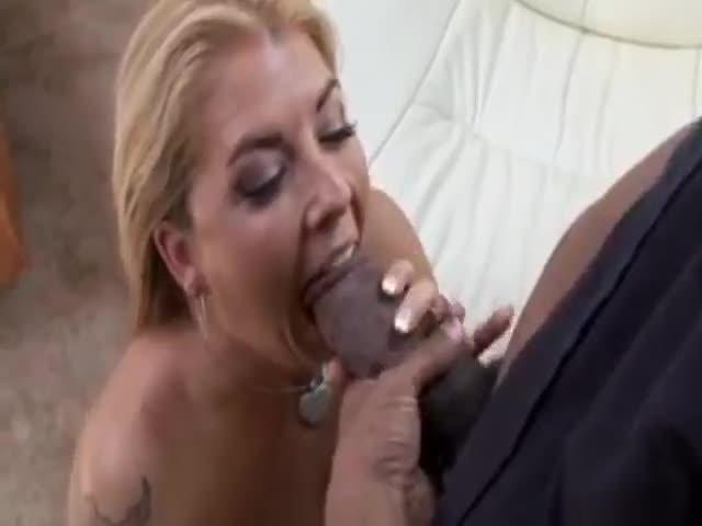 Busty joclyn stone stuffs a thick strapon deep in her boyfriends ass 7