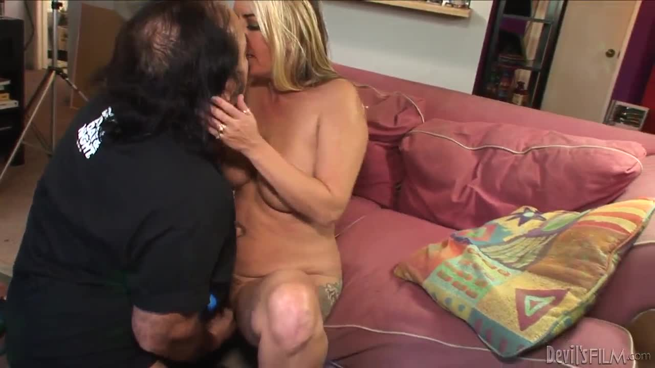 Wifes erotic cavity search