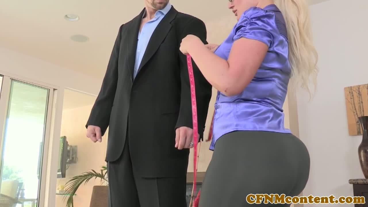 julie cash gets bangeda customer : xxxbunker porn tube
