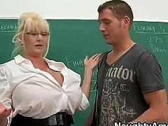 Woman likes hard penis coitus