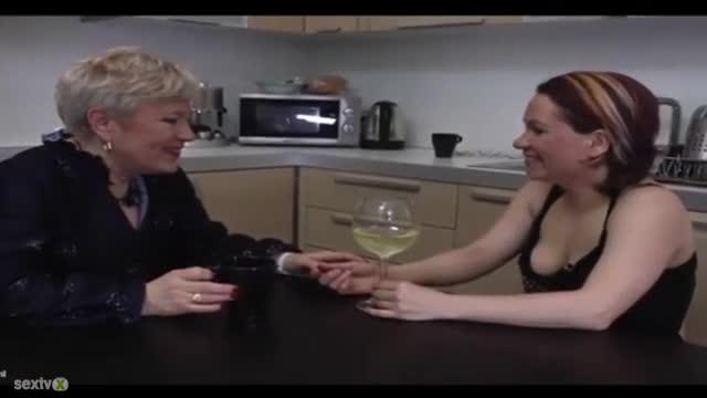 Klaudiain Honey Lesbian Action