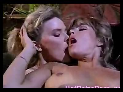 Sexy black women eating white pussy