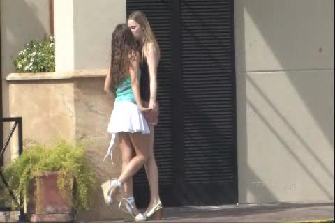 Kissing In Public Teen 2