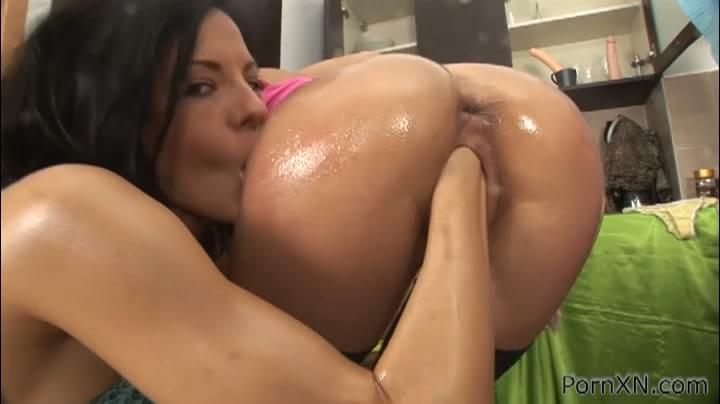 sluts huge dildos taking Lesbian