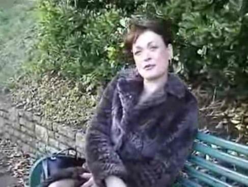 Lianne the reporter fucks freddie - 4 9