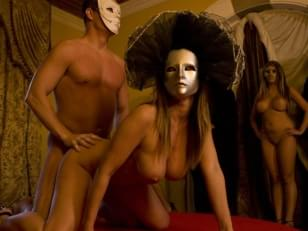 Cast and crew, plot summaries, viewer comments and rating, stills and ...: himalaya.nazwa.pl/LISA-ANN-EYES-WIDE-SHUT.htm